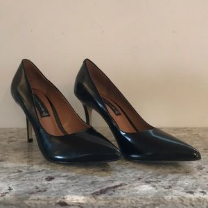 STEVEN Black Leather Pumps